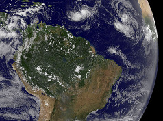 Amazonie, satelitní snímek z 28. srpna 2010 (NASA/GOES)