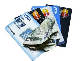 Platební karty versus hotovost