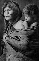 Matka s dítětem, kmen Hopi, foto Edward Curtis 1922