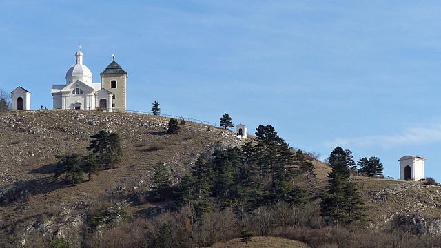 Svatý kopeček nad Mikulovem, autor fotografie - Dr. Bernd Gross, licence CC BY-SA 4.0